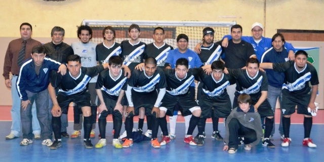 Prov2012 May Magallanes pose 5dic2012
