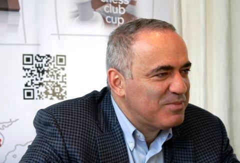 Kasparov vuelve a competir