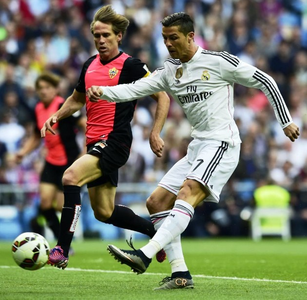 El Madrid mantiene el  pulso