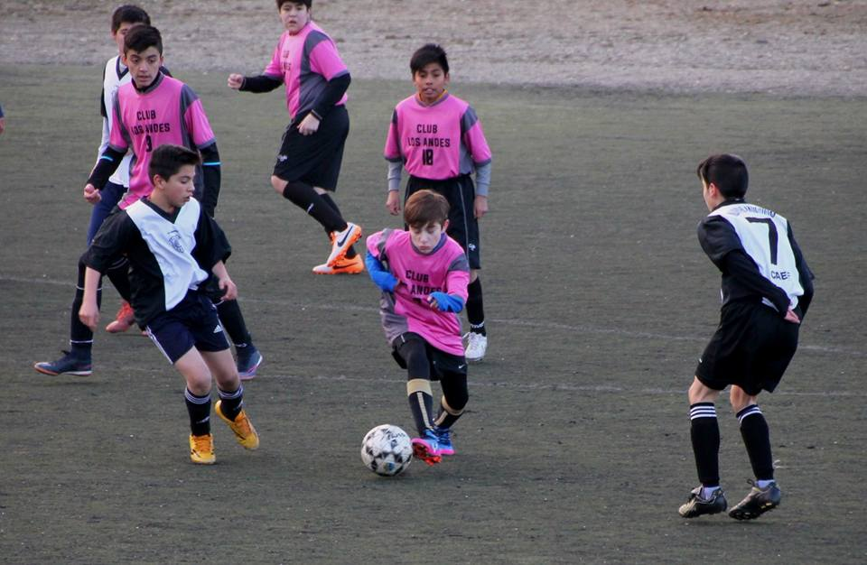 Arrancó el fútbol del Evita