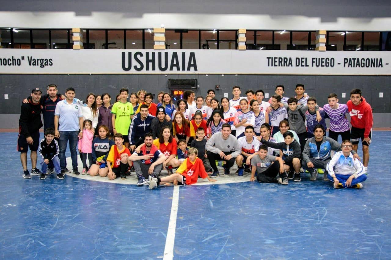 «Los de Siempre» se quedaron con el 1° Ushuaia Mix de futsal