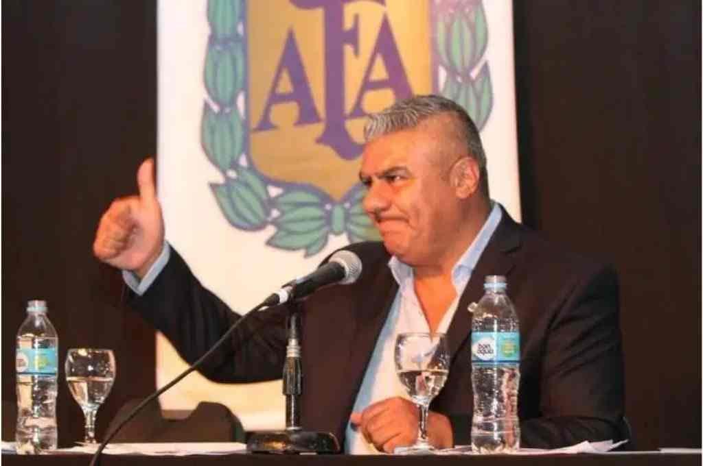 Tapia reelecto en la AFA