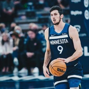 Comenzó la NBA, con el debut de un nuevo argentino